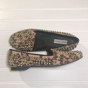 Steve Madden cheetah print studded loafers SZ 8